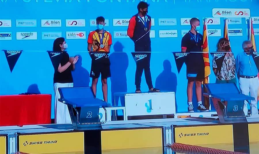 Lee más sobre el artículo Gerald Belamendia Cotorruelo: Campeón de España de 100 metros espalda y doble récord de Canarias